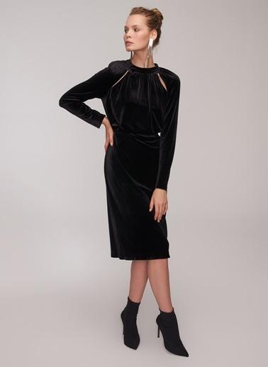 People By Fabrika Pencereli Kadife Elbise Siyah
